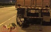 Chạy xe máy vào làn ô tô, nam thanh niên đâm vào xe container tử vong tại chỗ