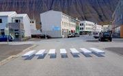 Vạch qua đường 3D khiến các tài xế 'hoảng hốt' rà phanh