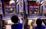 Chóng mặt với màn trình diễn 'nghìn điểm' của ngôi sao bóng rổ nhí