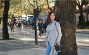 Hoa hậu Quốc tế đầu tiên Khánh Ngân giản dị dạo phố ở Albania