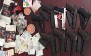Bắt đối tượng mua bán hàng trăm khẩu súng ngắn bắn đạn bi sắt