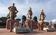 Thăm khu di tích Bạch Đằng Giang
