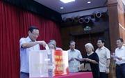 Đại sứ quán Việt Nam tại Lào quyên góp ủng hộ nạn nhân thiên tai trong nước