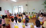 100 giáo viên hợp đồng 8 tháng chưa được nhận lương