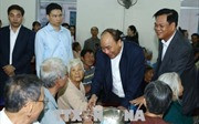 Thủ tướng thăm bà con bị thiệt hại do thiên tai tại Tuy Hòa, Phú Yên