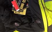 Bắt giữ vụ vận chuyển hơn 700 áo khoác gió The North Face