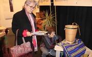 Trang phục 54 dân tộc Việt Nam khoe sắc tại miền Tây nước Pháp
