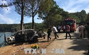 Gia Lai: Xe lao xuống vực, 2 cha con chết cháy