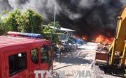 Khống chế vụ cháy kho vải phế liệu rộng 1.000 m2 tại Tiền Giang
