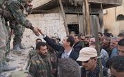 Tổng thống Syria bất ngờ thăm tiền tuyến, trò chuyện cùng binh sĩ