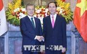 Chủ tịch nước Trần Đại Quang đón tiếp Tổng thống Hàn Quốc Moon Jae-in