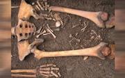 Phát hiện sản phụ trung cổ vẫn sinh con dưới mộ sau khi chết