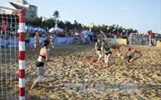 100 vận động viên tham gia Giải vô địch Bóng ném bãi biển toàn quốc 2018