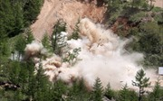 Triều Tiên đánh sập đường hầm thử hạt nhân, thổi bay mọi thứ như phim hành động