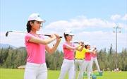 30 người đẹp Hoa hậu Việt Nam làm quen với môn thể thao quý tộc