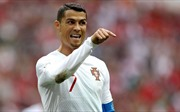 WORLD CUP 2018: Fabregas chê bai Ronaldo. Nigeria thách thức Messi. Đức nhận tin dữ