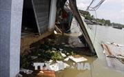 Sạt lở bờ sông và giông lốc gây nhiều thiệt hại tại Cần Thơ