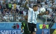 World Cup 2018: Nigeria 1-2 Argentina: Trọng tài không thổi phạt đền Marcos Rojo là đúng hay sai?