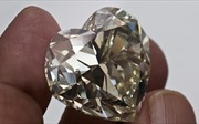 Kim cương hóa ra không hiếm, phát hiện có tới 'triệu tỷ tấn' dưới lòng Trái Đất