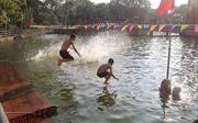 Cải tạo ao làng thành 'bể bơi'