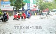 Nhiều tuyến phố ở khu vực nội thành Hà Nội đã hết ngập