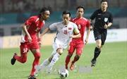 Olympic Việt Nam làm nức lòng các 'CĐV đặc biệt nhất' trên sân Wibawa Mukti